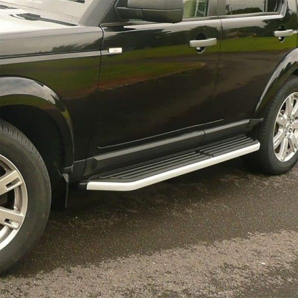 Side Steps For Use With Land Rover Discovery 3 / 4 2004 – 2016 - chameleonsidesteps.co.uk