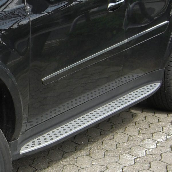 Side Steps For Use With Mercedes Ml (w164) 2006 – 2011 - chameleonsidesteps.co.uk
